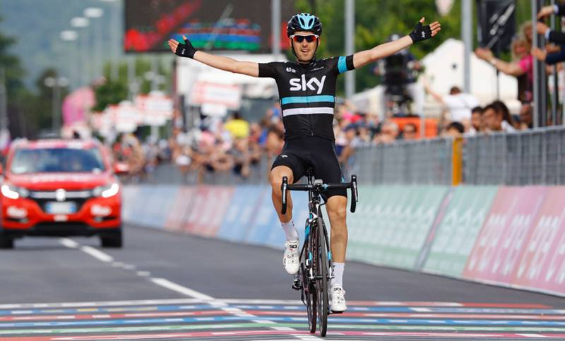 Mikel Nieve gana la etapa y Amador se coloca líder