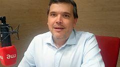 Alfredo Menéndez agradece el premio Mejor Programa de Radio de la ATR a 'Las mañanas de RNE'