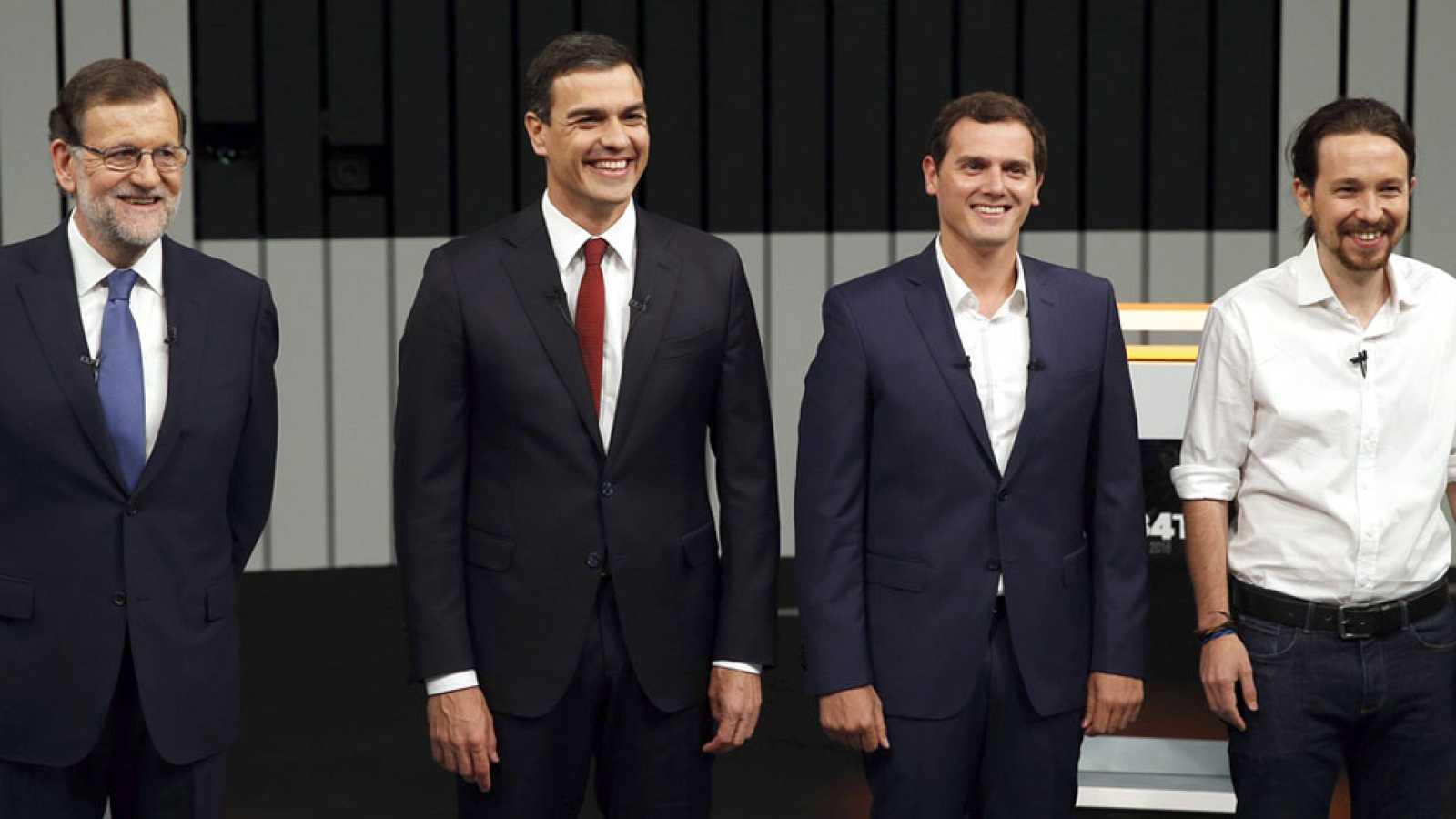 Rajoy repele las críticas en un debate que no aclara cómo evitar unas terceras elecciones
