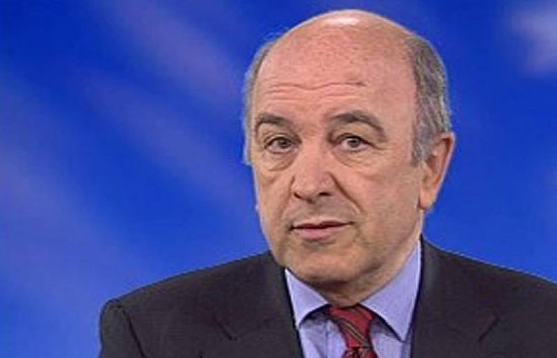 El comisario de Economía de la Comisión Europea, Joaquín Almunia, ha negado además que vaya a sustituir a Pedro Solbes como ministro de Economía y Hacienda.