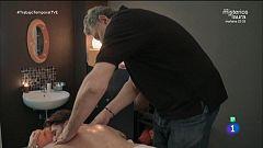 Trabajo Temporal - Fernando Romay da un masaje relajante a un cliente