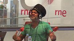 """Carlinhos Brown canta en directo """"Día iluminado"""", el tema que interpreta con David Bisbal"""