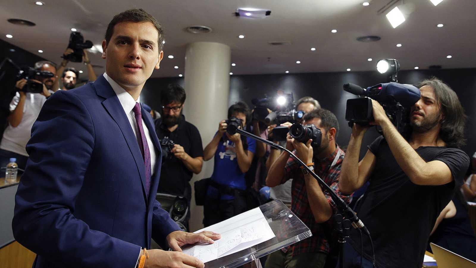 """Rivera lleva dos alternativas al rey: gobierno """"de consenso"""" constitucionalista o abstención general"""
