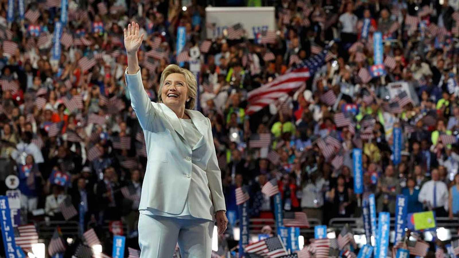 """Clinton acepta la nominación: """"Llevaré vuestras historias y voces conmigo a la Casa Blanca"""""""