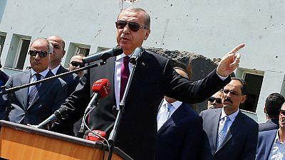 Erdogan ordena el cierre de todas las academias militares