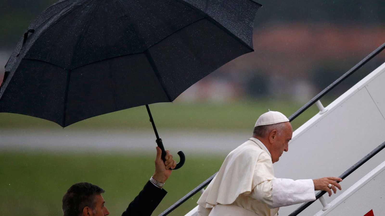 El papa Francisco se despide de Polonia y anuncia que la próxima JMJ será en Panamá en 2019