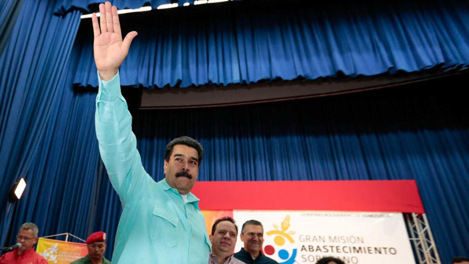 El Consejo Nacional Electoral de Venezuela da luz verde a la convocatoria del revocatorio contra Maduro