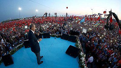 Cientos de miles de personas rechazan en Estambul el intento del golpe de Estado del 15 de julio