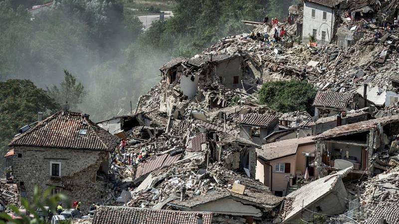 La devastación del terremoto de Italia, vista desde el aire