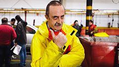 Trabajo Temporal - Santi Rodríguez desmonta el motor de un coche