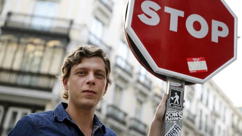 Antoine Leiris, marido de Hélène Leiris, asesinada en el ataque terrorista a Bataclan, escribe: 'No tendréis mi odio'