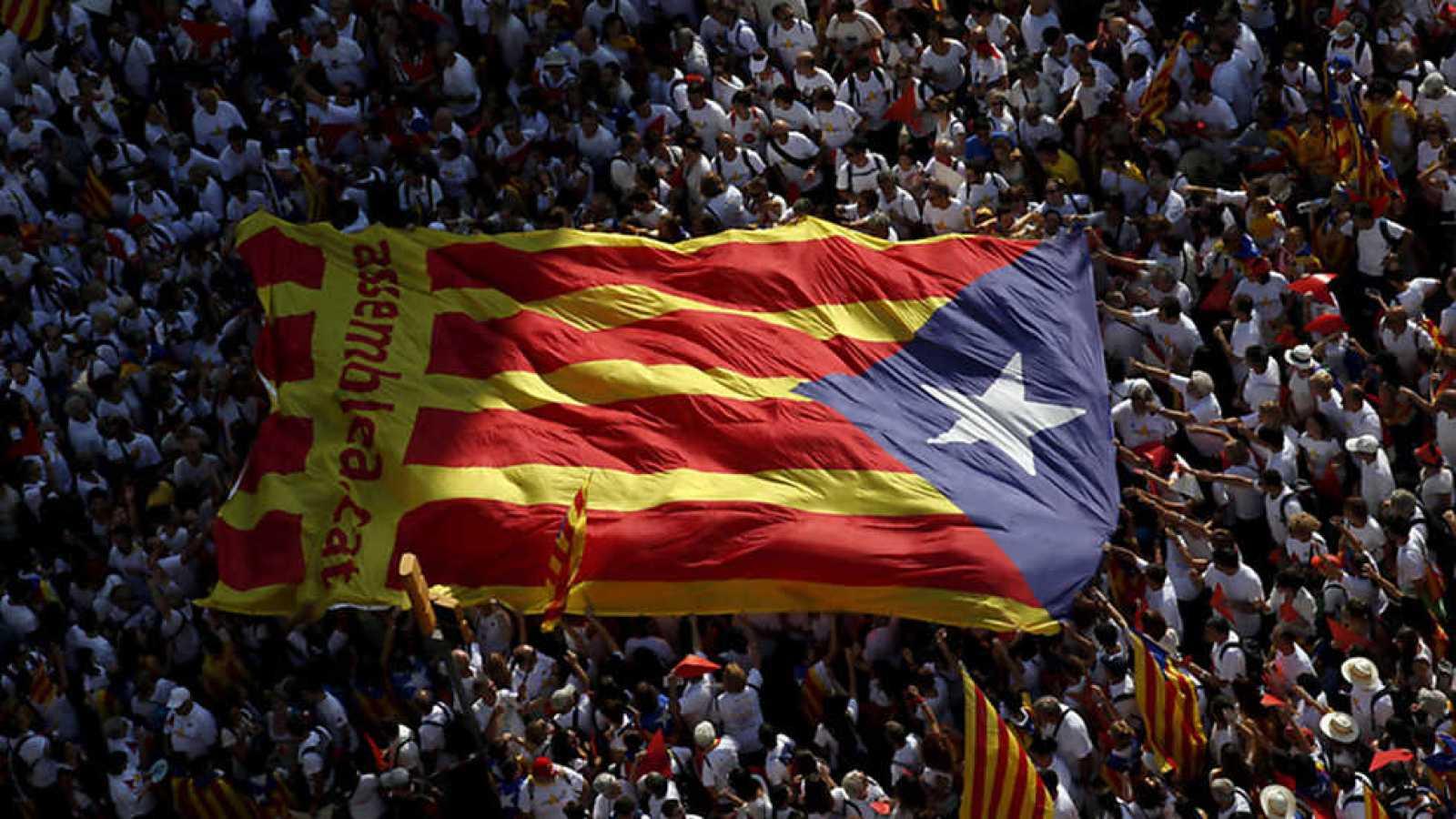 Informe Semanal - La doble encrucijada de España - ver ahora