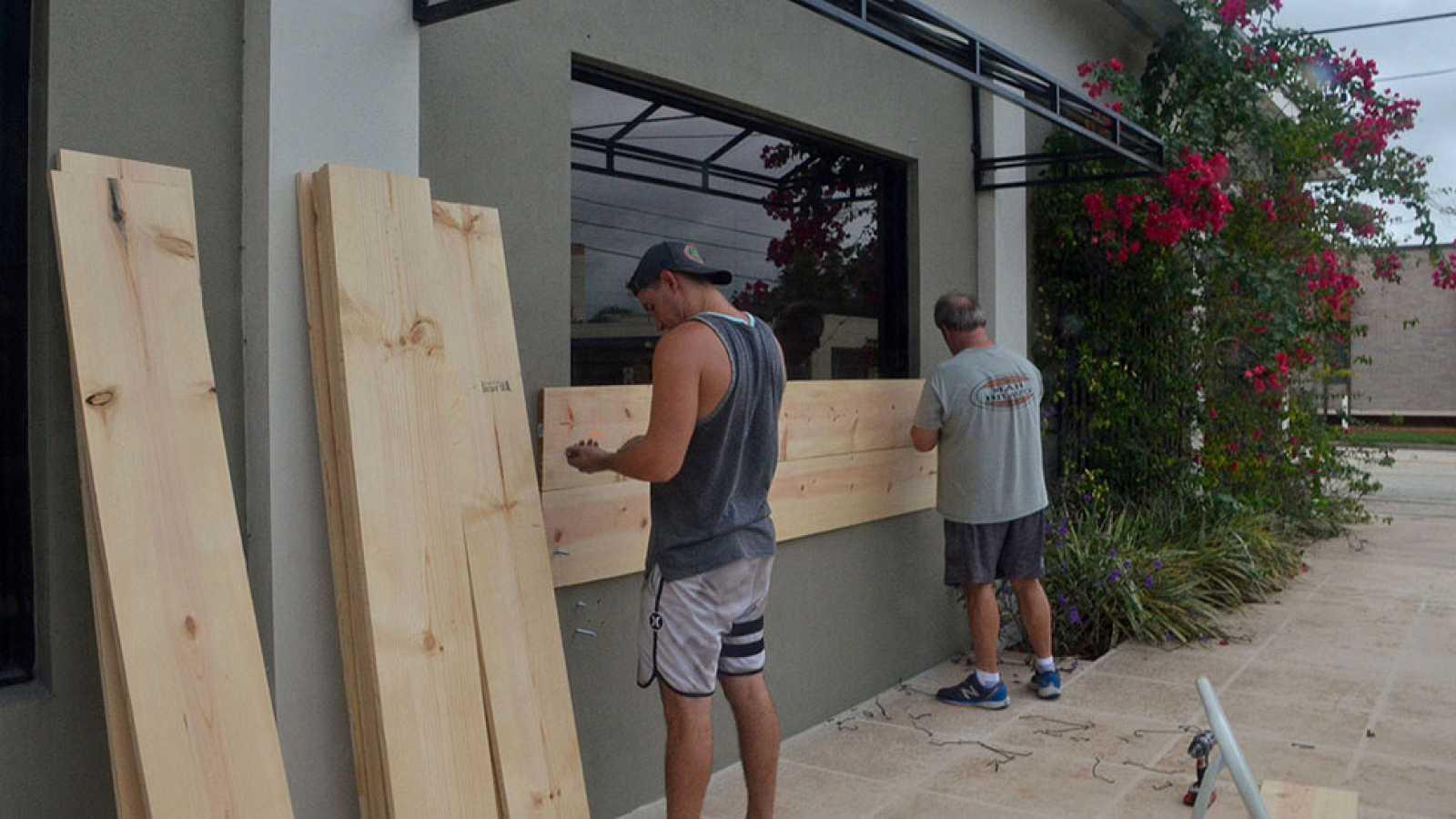 Florida decreta el estado de emergencia ante la llegada del devastador huracán Matthew