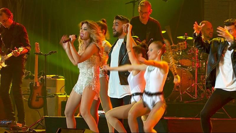 Natalia canta 'Vas a volverme loca' en el Concierto de OT