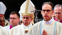 El papa Francisco regresa de su viaje a Suecia por los 500 años de la reforma protestante
