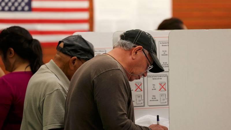 Largas colas para votar en las elecciones presidenciales de EE.UU.