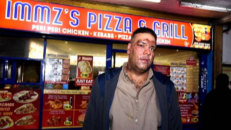 Agresión racista contra un repartidor de pizzas paquistaní por unos adolescentes en Reino Unido