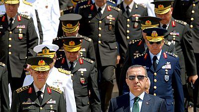 Militares turcos de la OTAN solicitan asilo en sus países de destino