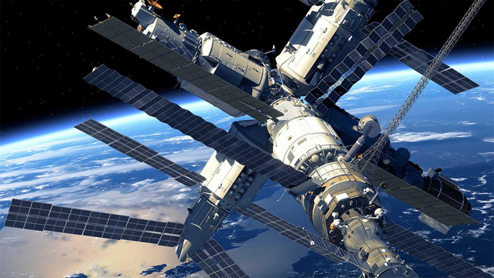 Escolares de Barcelona hablan con los astronautas de la Estación Espacial Internacional