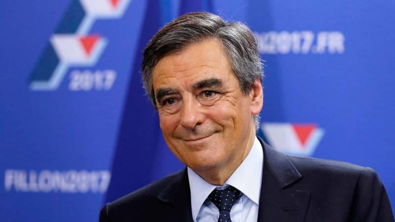 François Fillon encabeza las primarias de la derecha francesa y Sarkozy se queda fuera