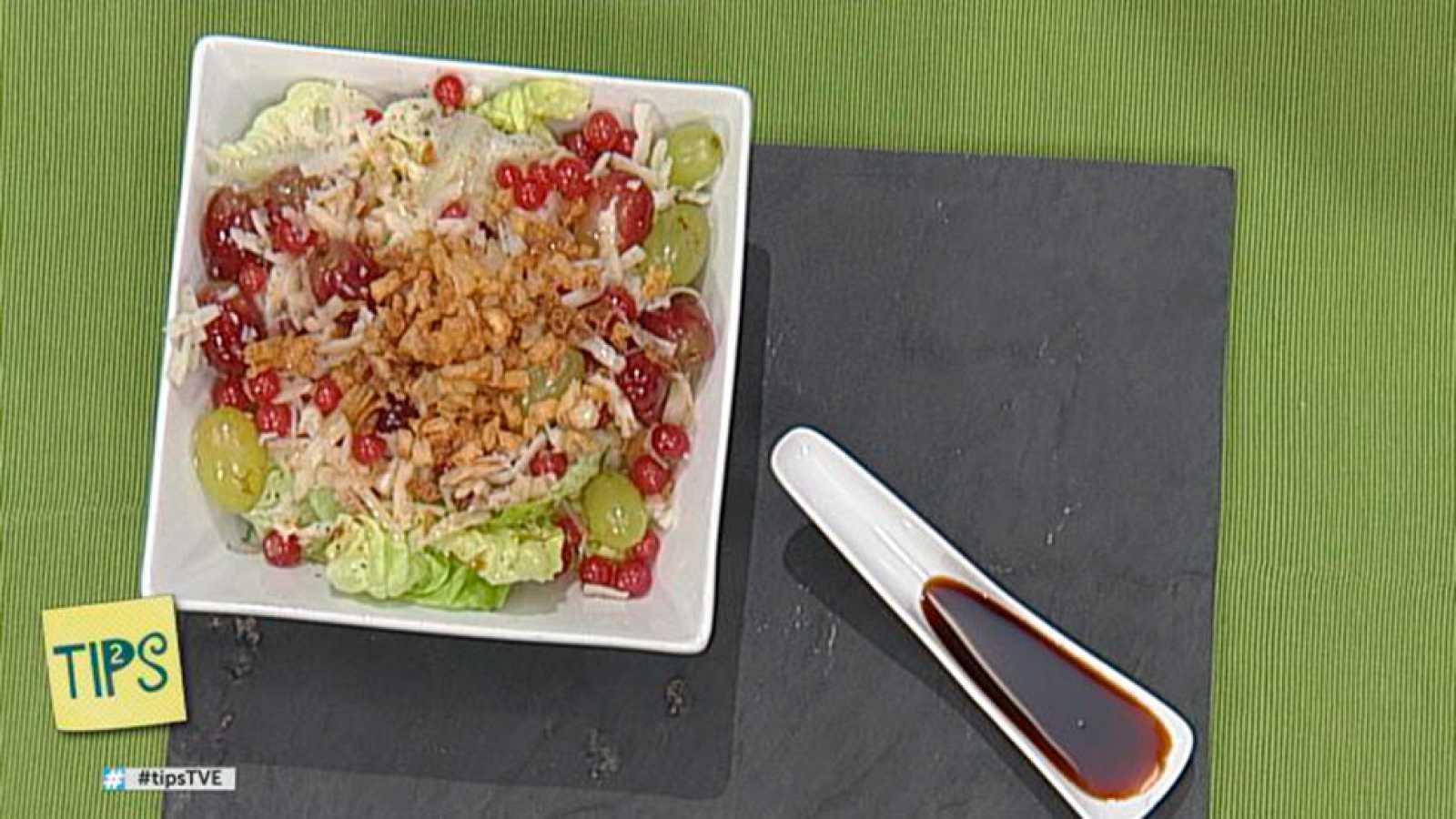 TIPS - Cocina - Ensalada de trocadero, uvas y cebolla crujiente