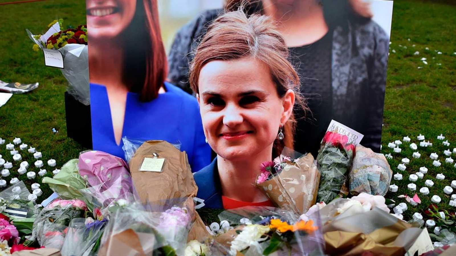 Cadena perpetua para el asesino de la diputada británica Jo Cox