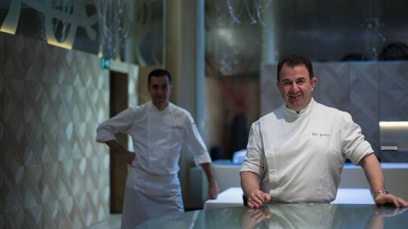 Martín Berasategui primer chef con dos restaurantes reconocidos con tres estrellas Michelín
