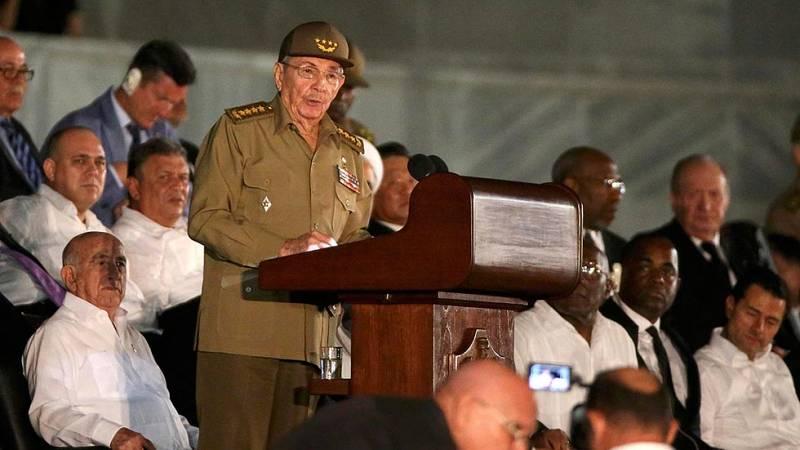 Raúl Castro despide a su hermano Fidel en un acto multitudinario acompañado por decenas de mandatarios