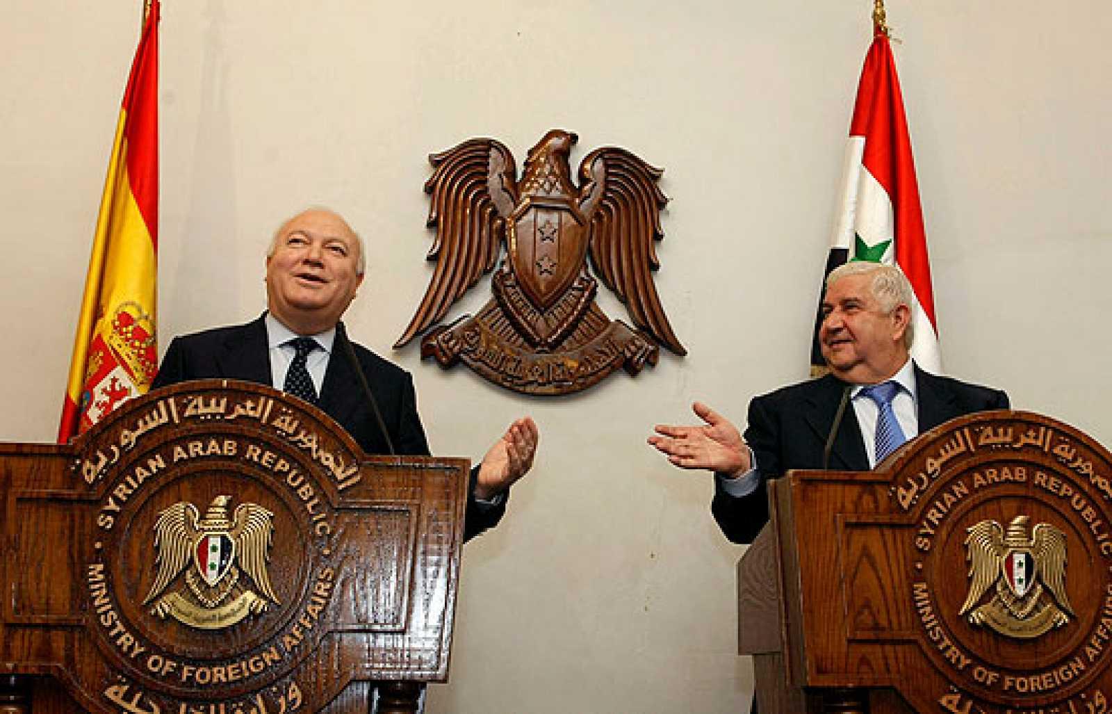 El ministro de Exteriores, Miguel Ángel Moratinos, se ha entrevistado con el presidente sirio, Bachad el Assad. Después, Moratinos ha viajado a Israel y mañana volverá a Egipto.