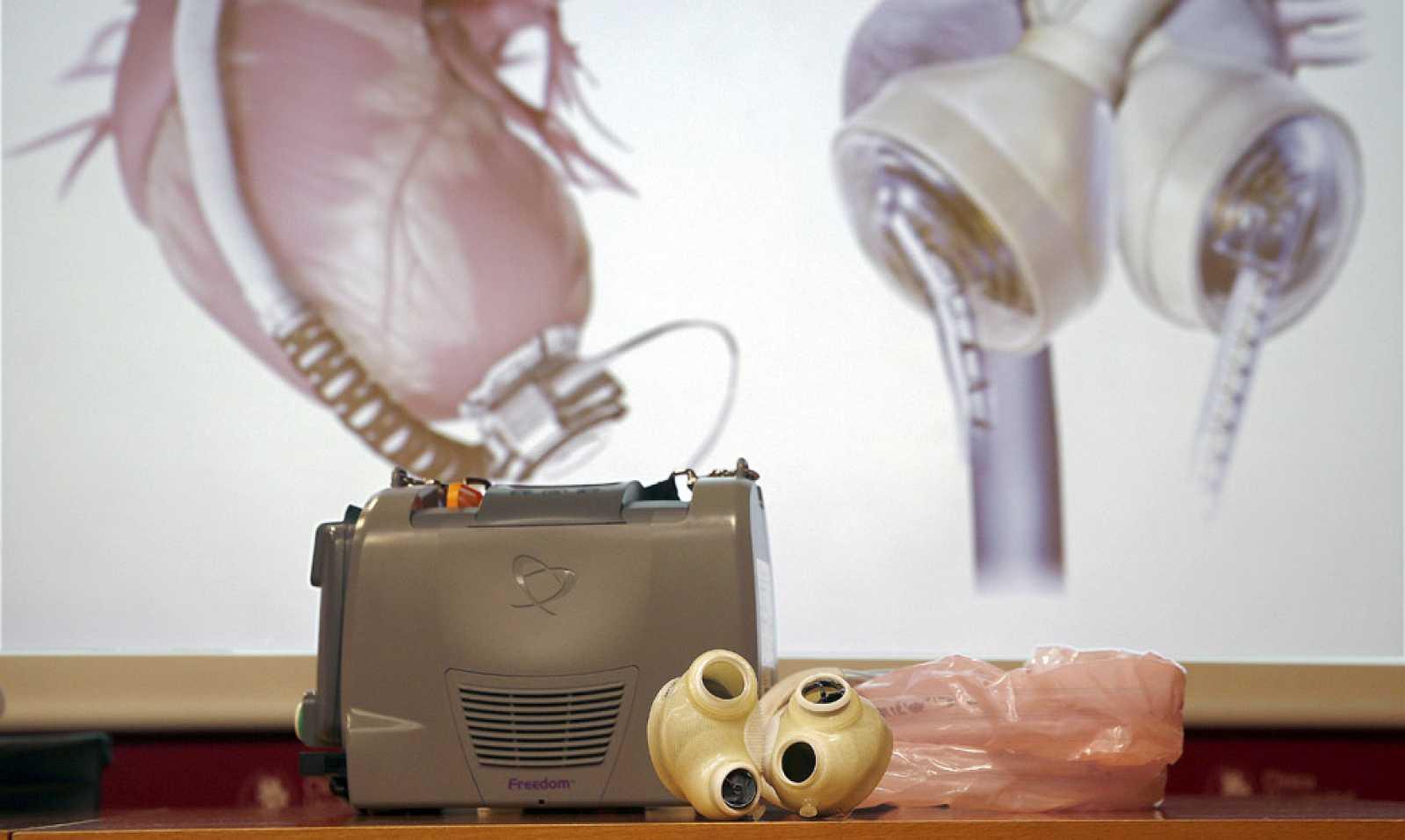 Un equipo médico de Navarra implanta por primera vez un corazón artificial a un paciente en España