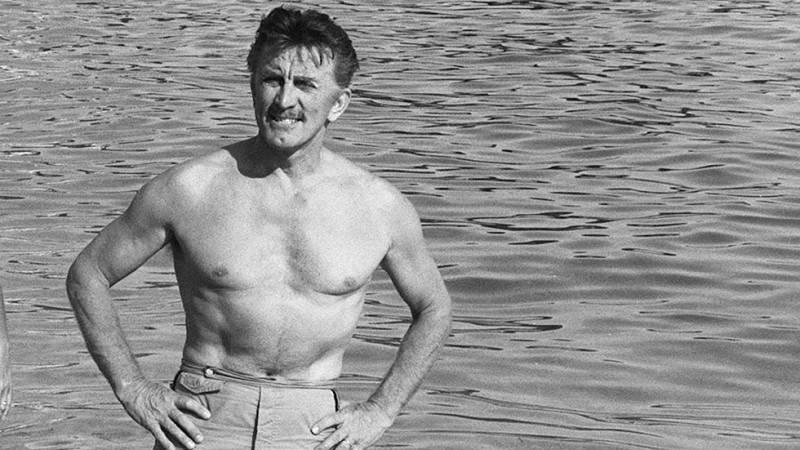 Kirk Douglas, un superviviente de la época dorada de Hollywood cumple 100 años