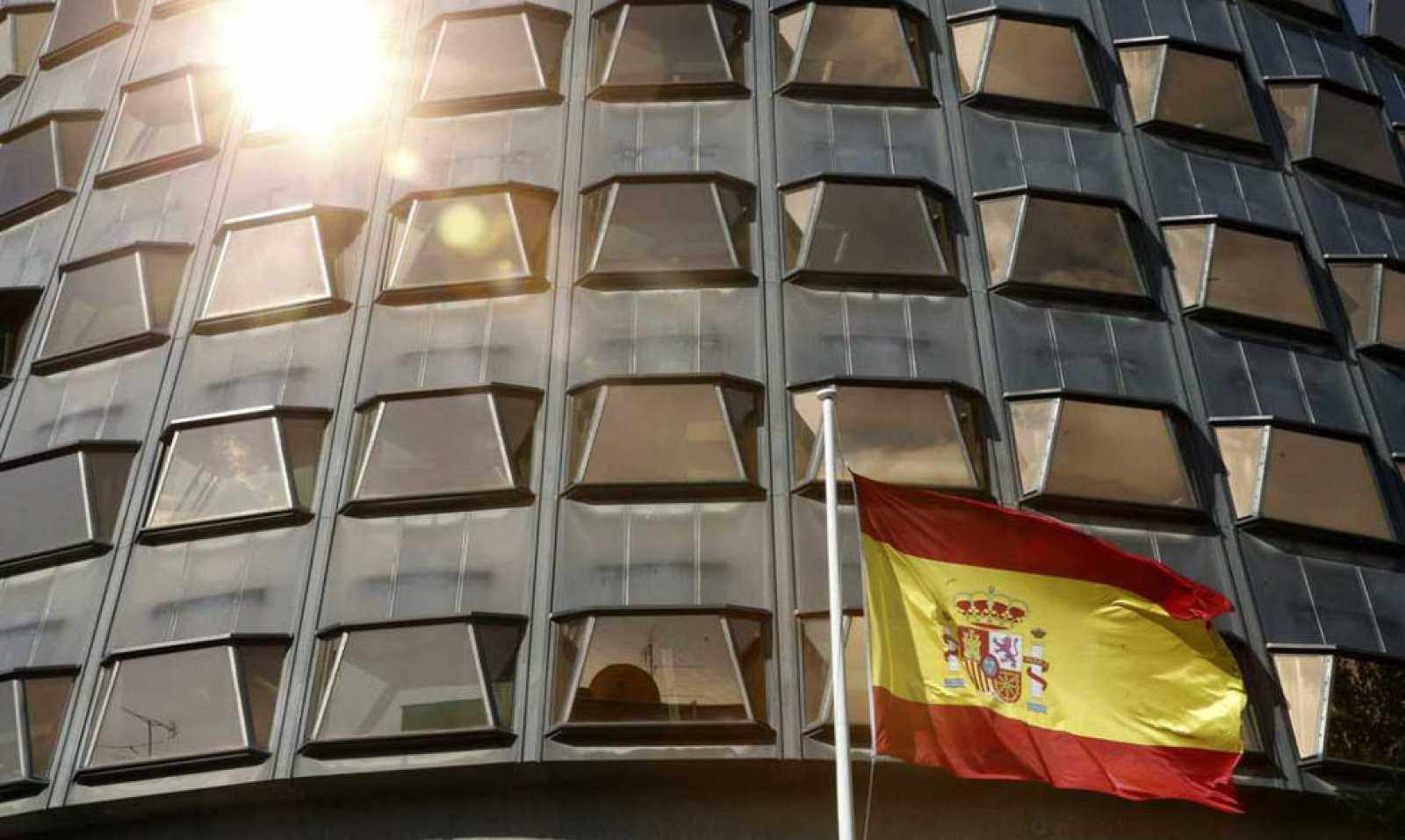 El Tribunal Constitucional suspende el referéndum soberanista en Cataluña previsto para 2017