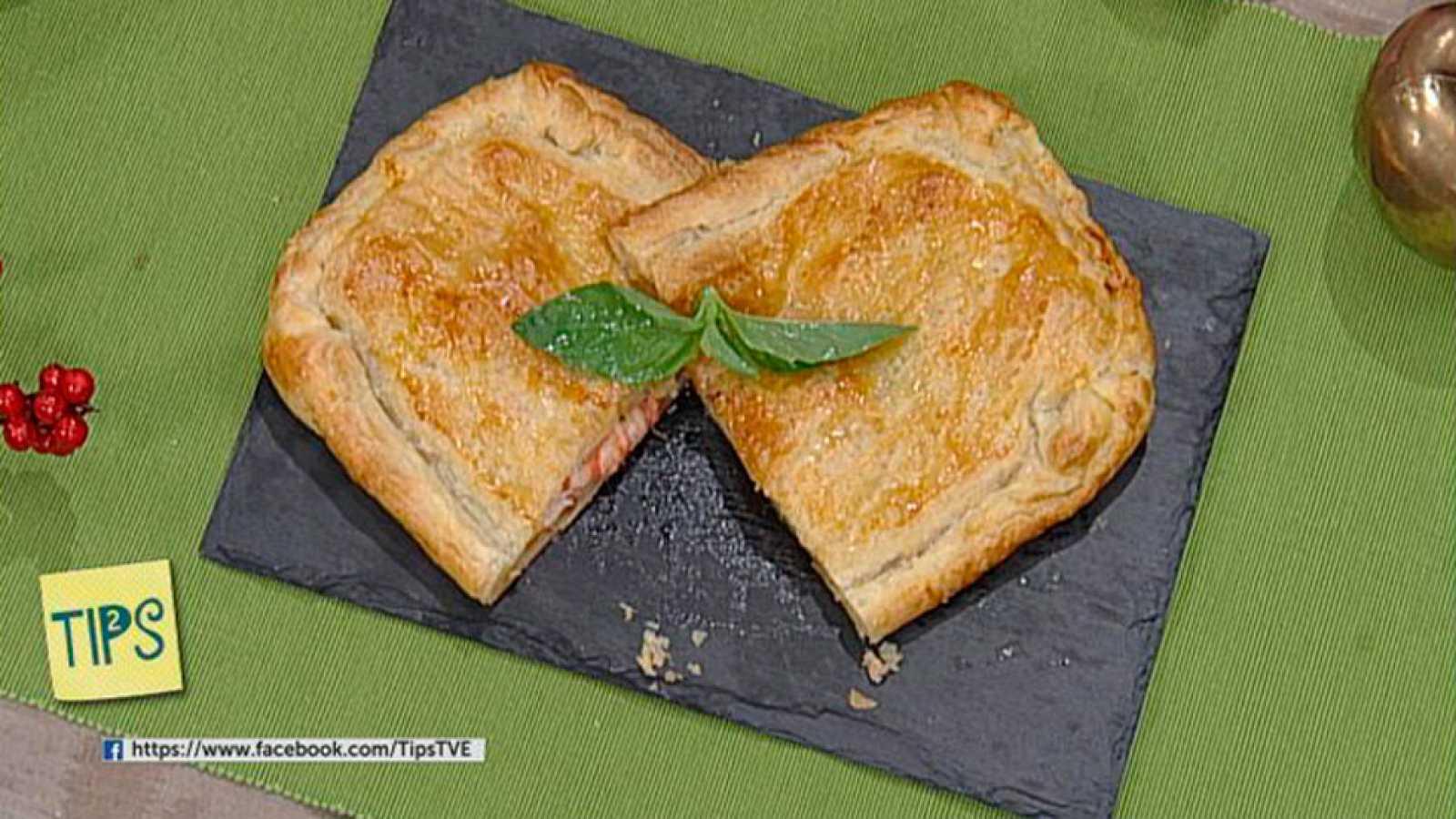 TIPS - Cocina - Empanada hojaldrada con tomate de albahaca