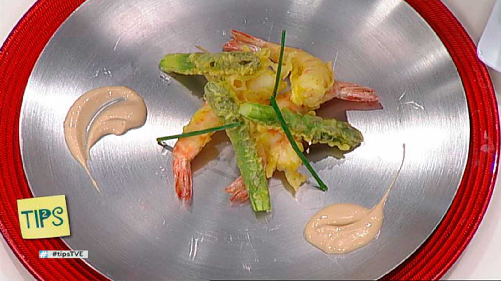 TIPS - Cocina - Tempura de langostinos y espárragos con mahonesa de soja