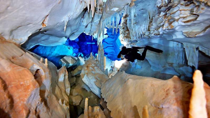 Al filo de lo imposible - Espeleología - Vallgornera: Piedra, agua...tiempo (2) - ver ahora