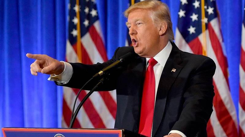 Trump niega la palabra a un periodista de la CNN