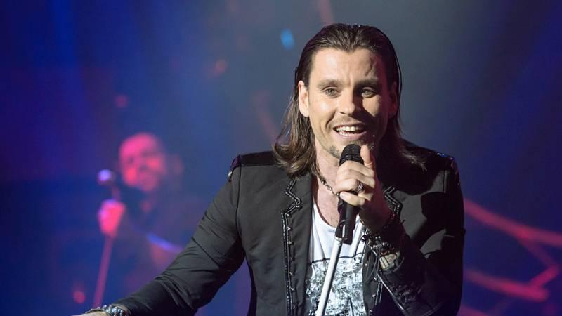 Javián canta 'No somos héroes' en la final del Eurocasting