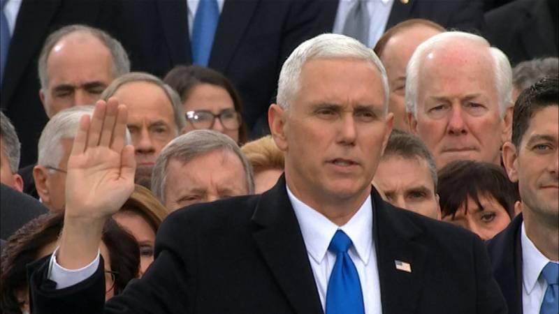 El republicano Michael Pence jura commo vicepresidente de los EE.UU.