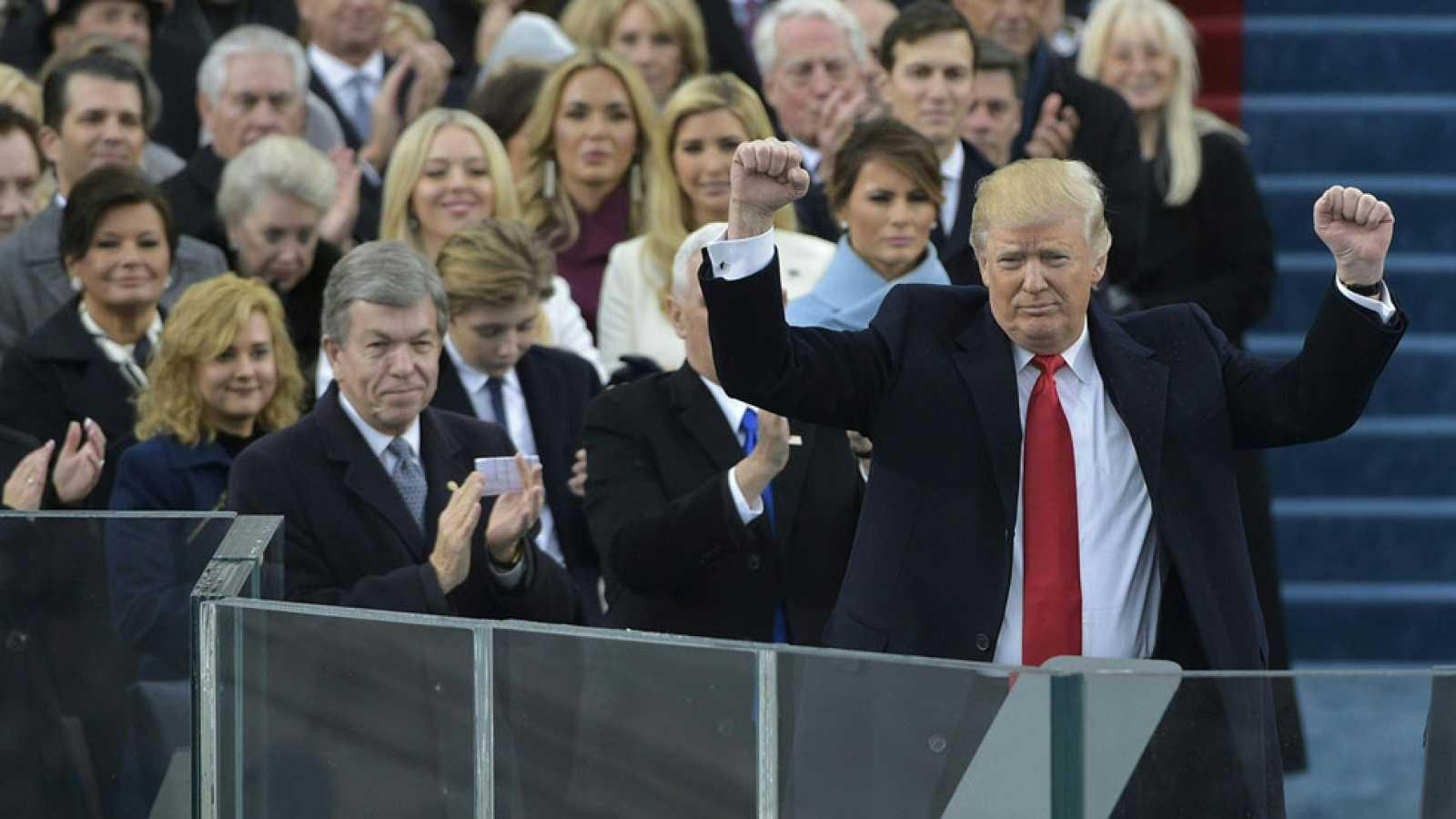 Trump promete devolver al poder de Washington al pueblo en su primer discurso como presidente de EE.UU.