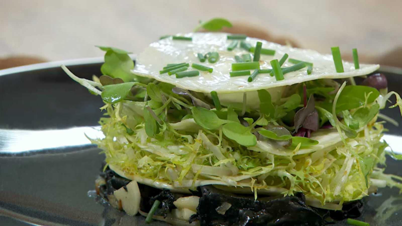 Torres en la cocina - Ensalada con apionabo encurtido y huevo de codorniz