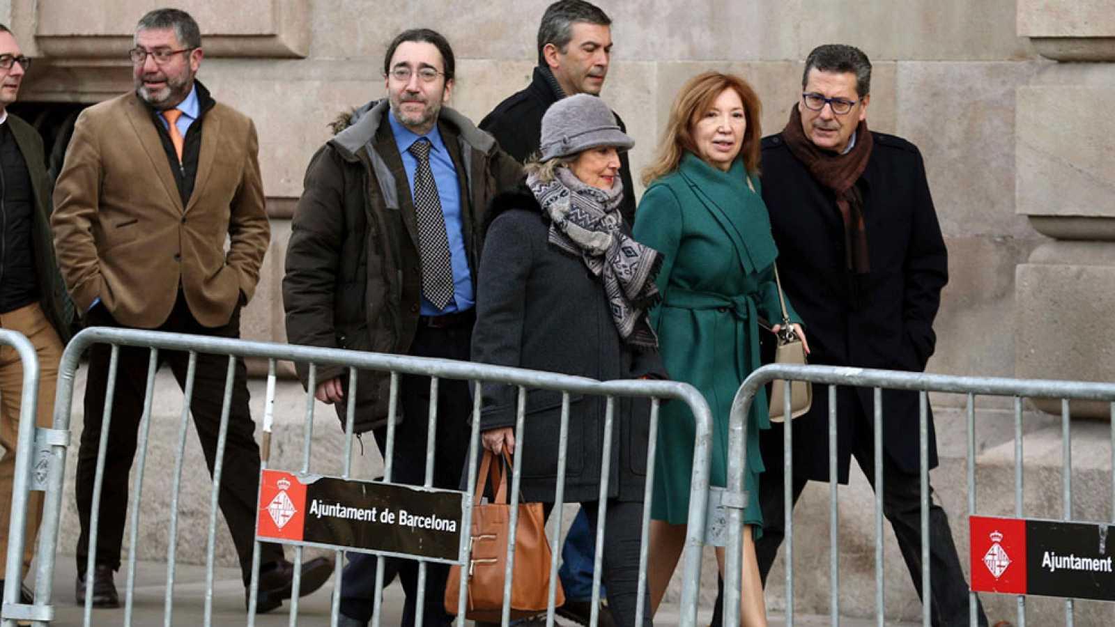 Un inspector de Educación asegura que responsables de la Generalitat presionaron para abrir los colegios el 9N