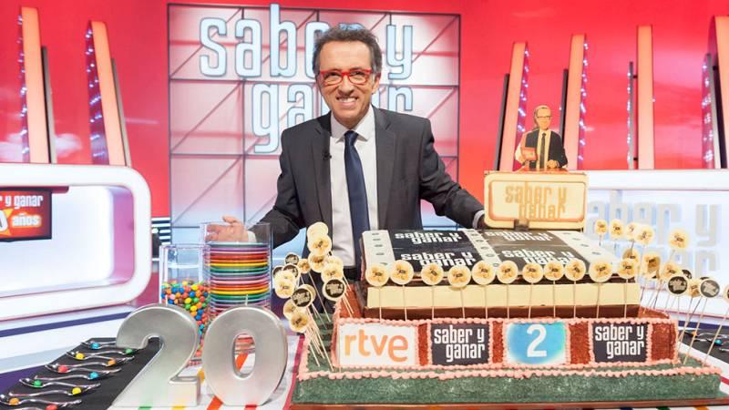 Señoras y señores, hoy, exactamente hoy,celebramos ¡20 años de Saber y Ganar!
