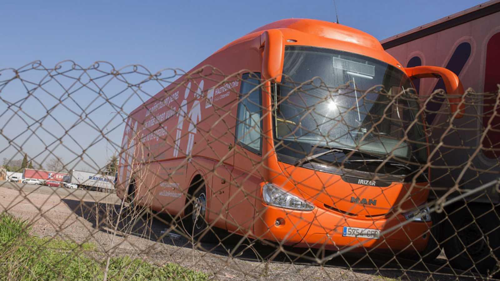 La Fiscalía pide al juez que prohíba circular al bus de Hazte oír contra la transexualidad