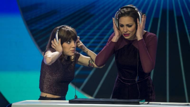 El gran reto musical - Eva González acompaña a Angy en la prueba 'Encasquetados'
