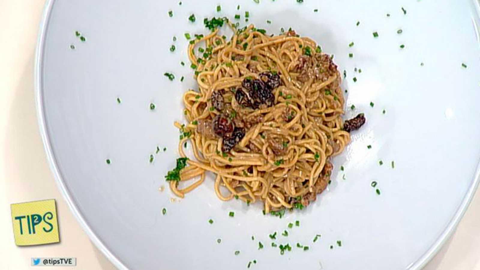 TIPS - Cocina - Pasta salteada con frutos secos y soja