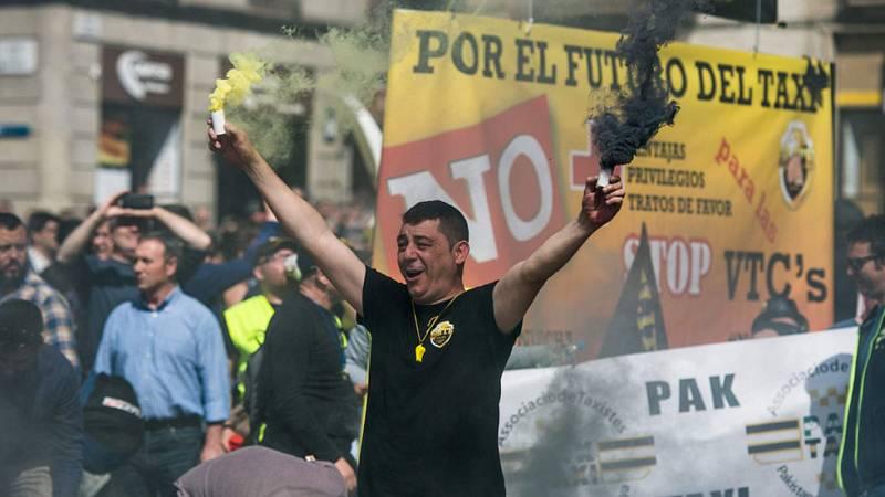 Protestas en Madrid y Barcelona contra los vehículos de transporte con conductor y en defensa del sector