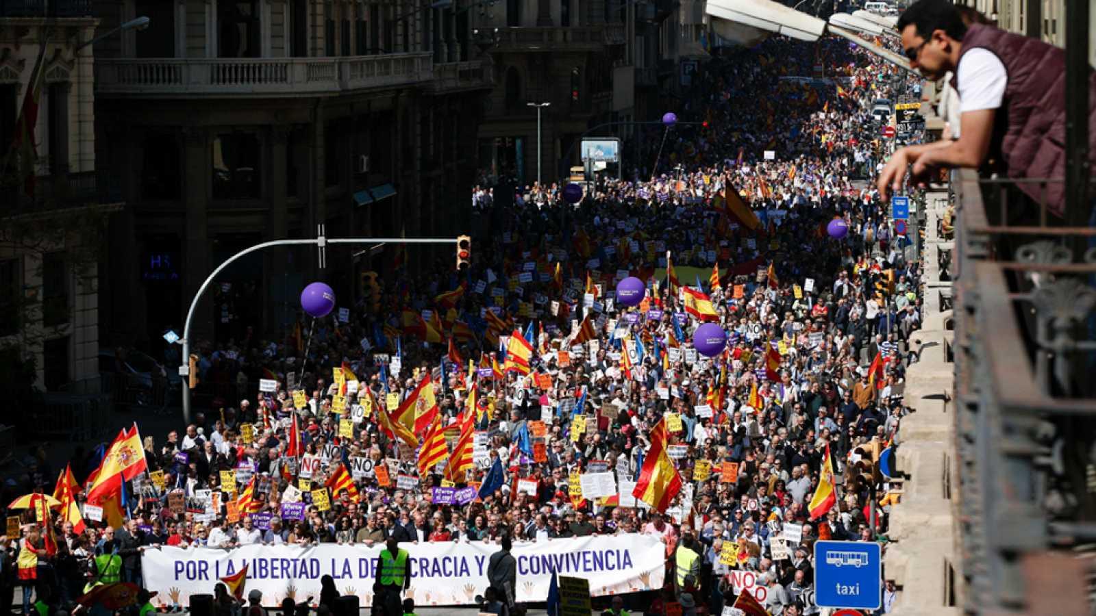 """Una manifestación en Barcelona pide """"parar el golpe separatista"""""""