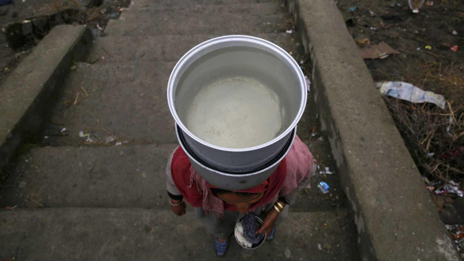 Una jornada para concienciarnos de la importancia de este recurso, esencial para la vida y que debemos conservar. Naciones Unidas ha dedicado esta edición a las aguas residuales con la pregunta ¿Por qué desperdiciar? En la Ría de Bilbao han colocado