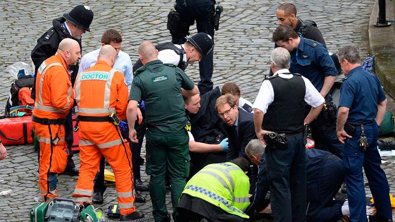 El político que se convirtió en héroe en el ataque en Londres