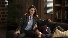 """iFamily - Laura le cuenta a Lola que """"Kike está por ella"""""""